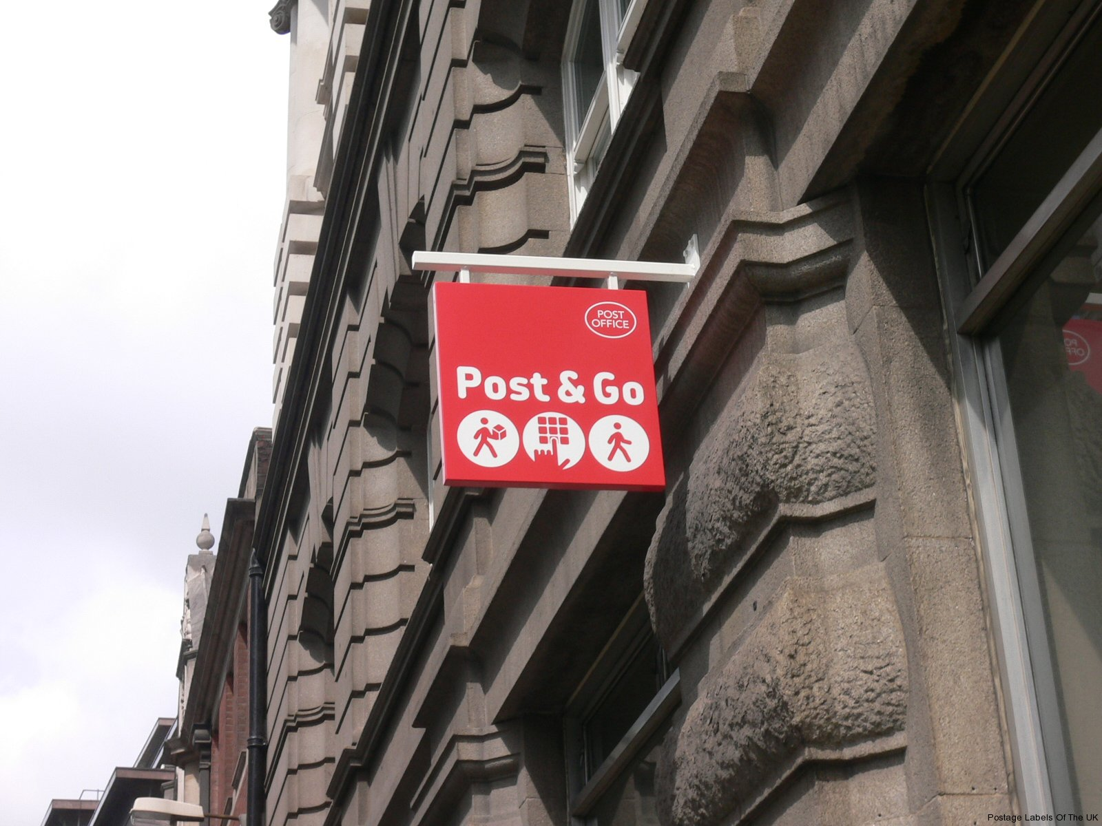 Ludgate Circus PO-New P&G Sign